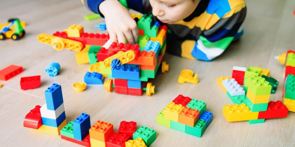 Here is a Method That Is Helping Moms Decrease Screen Time & Improve Skill Development - Interactive Play that is STEM certified- BrickMates blog