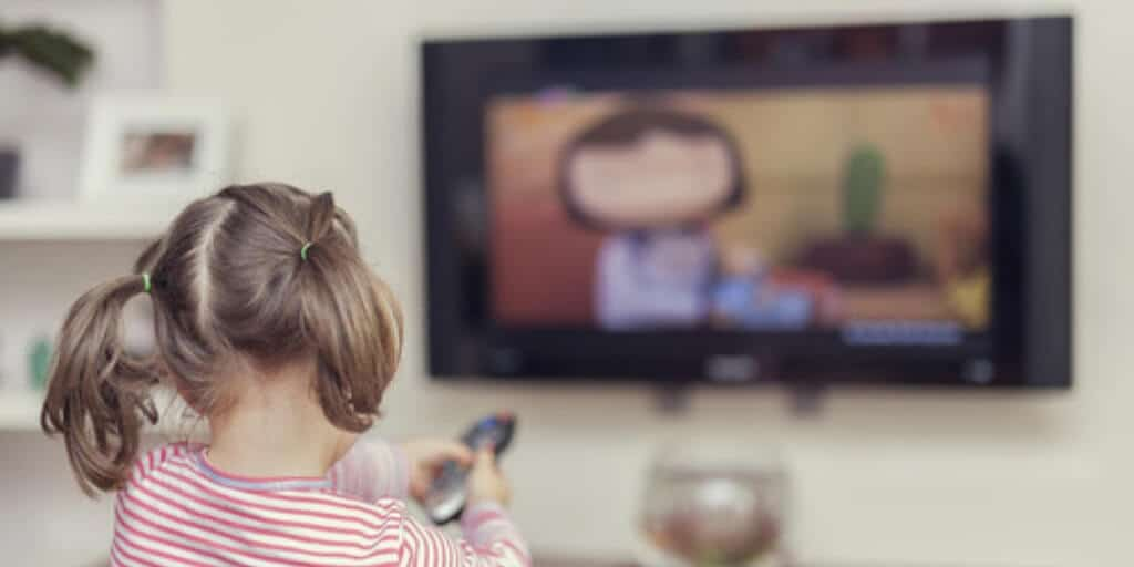 Here is a Method That Is Helping Moms Decrease Screen Time & Improve Skill Development - what happens during screen time - BrickMates blog